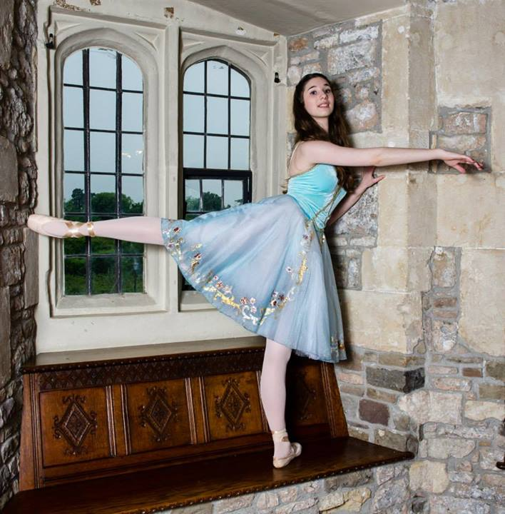 ballerina ballet dancer interview en pointe photoshoot