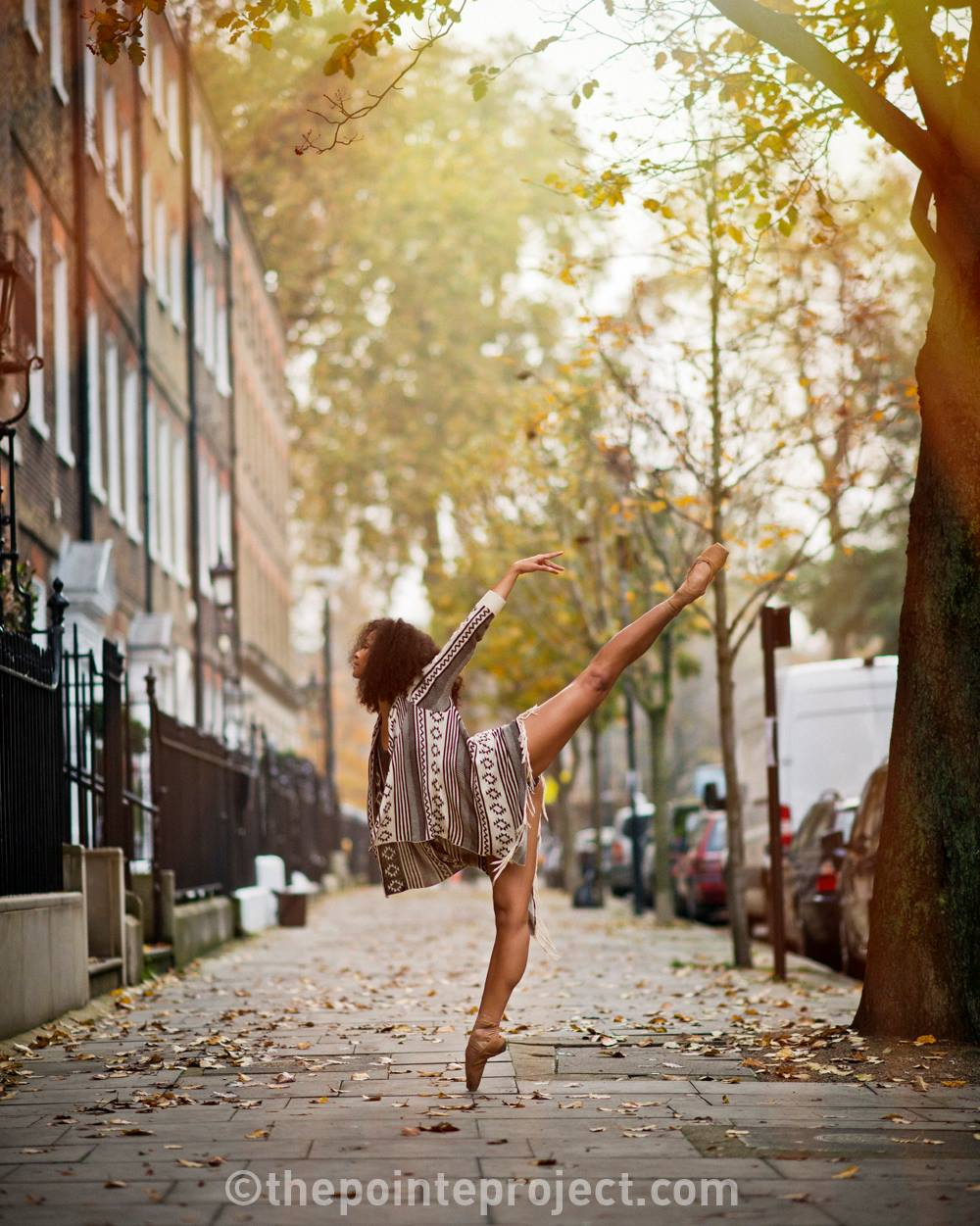ballet photoshoot ballerina en pointe in london by pete bartlett similar to the ballerina project